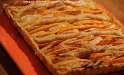 Tarte papaye & pomme sur un lit de purée d'amande et une pâte feuilletée faite au thermomix