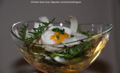 Recette de salade Chicken bowl avec légumes racines, tubercule de persil et pissenlits pour recycler les restes de poulet