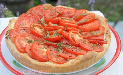 Tarte levée à la tomate et à l'estragon