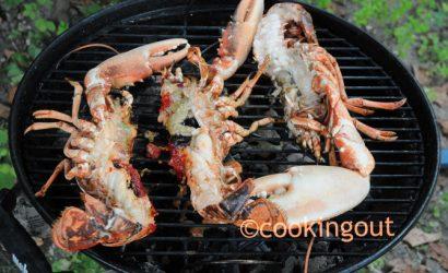 Comment cuire le homard au BBQ et le déguster avec une sauce lime et poivre