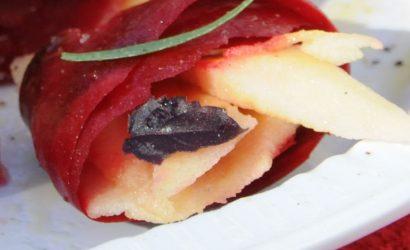 """Fleurs de betterave à la pomme et à """"la sauce magique"""" pour un atelier enfant pendant la semaine du goût en octobre 2009"""