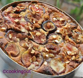 Gâteau ricotta aux figues et amandes. Un oeuvre collective réalisée dans les Pouilles