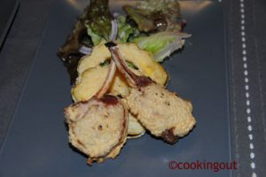 Côtelettes d'agneau cuite en tempura