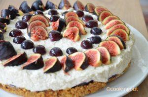 Un dessert ou l'on ne choisit pas entre la figue et le raisin. Voici ma recette de Cheesecake figues et raisins, une version crue délicieuse