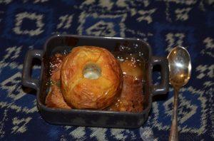 Pommes au four au lemoncurd sur un lit de pain d'épice
