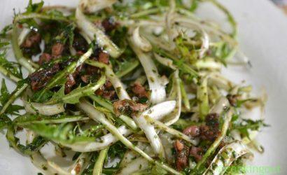 Salade de pissenlits sauce chaude cresson à l'asiatique