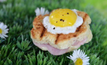 Croques lady pour un apéro pascal, minis bouchées avec un œuf de caille