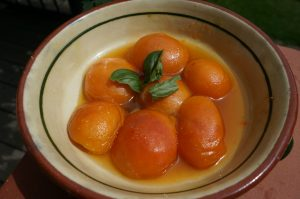 abricots cuits au Rivesaltes et flambé au Cointreau