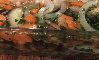 Stekt inlagd strömming : sardines de la Baltique marinées après cuisson