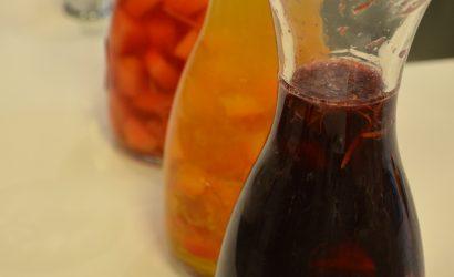 sangria rouge aux pêches et nectarines et son petit côté nordique
