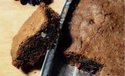 Brownie chocolaté aux canneberges et aux amandes