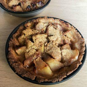 Tarte et tartelettes aux pommes et sirop d'érable, un dessert très agréable