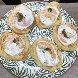 blinis aux crevettes et yaourts