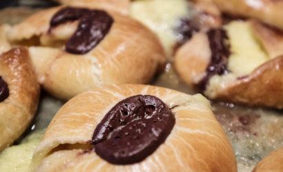 Fastelavnsbulle, brioches danoises pour la traditions du mardi gras en Scandinavie avant le carème