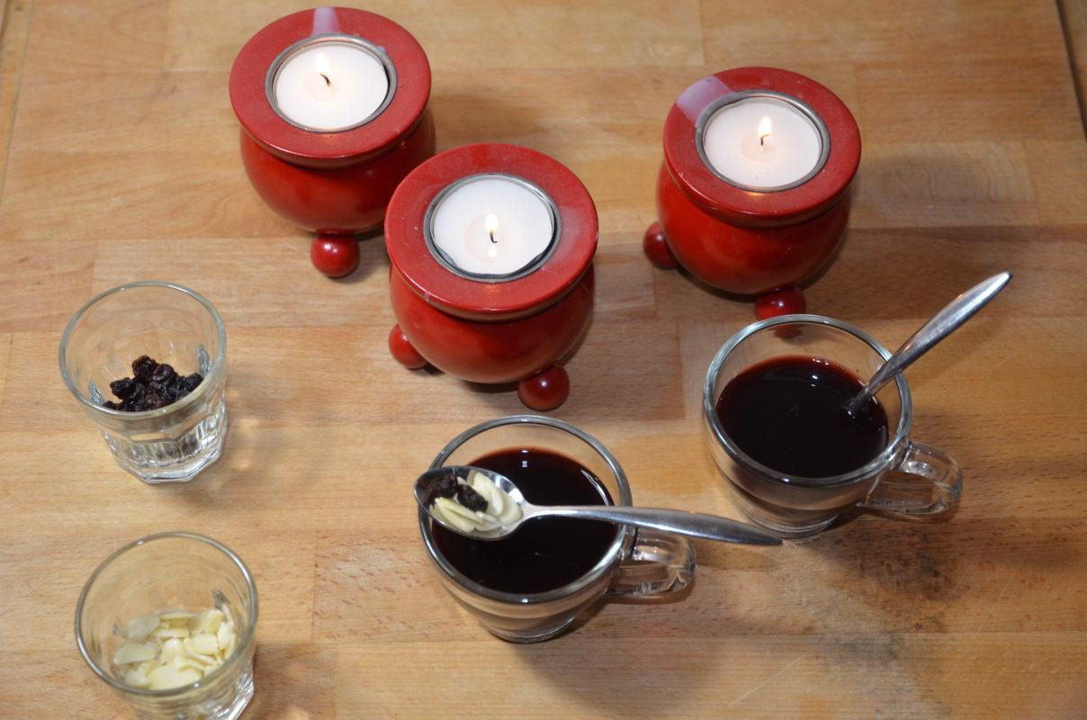 le glögg de Sankta Lucia ou le vin chaud servi pendnat la fête de la sainte lucie