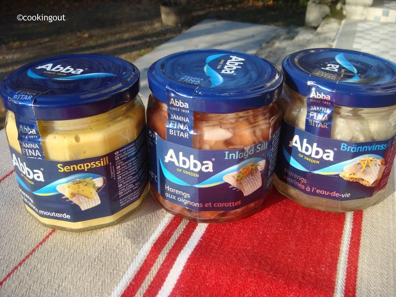 Harengs marinés ou sills de la marque Abba pour des entrées suédoises