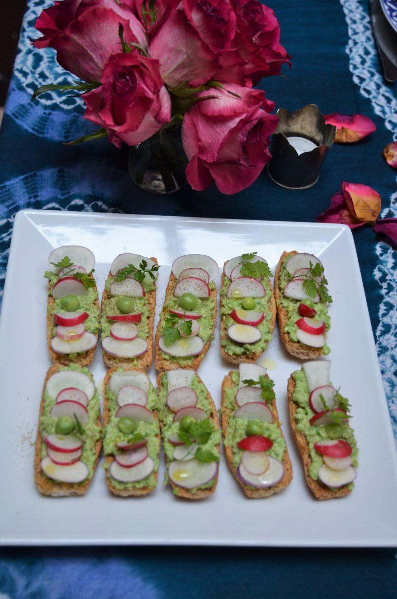 Tartines apéro avec des légumes
