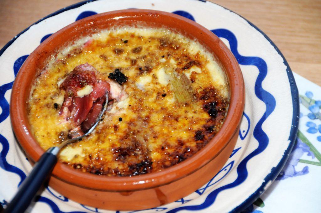 crème brulée à la rhubarbe et épicée