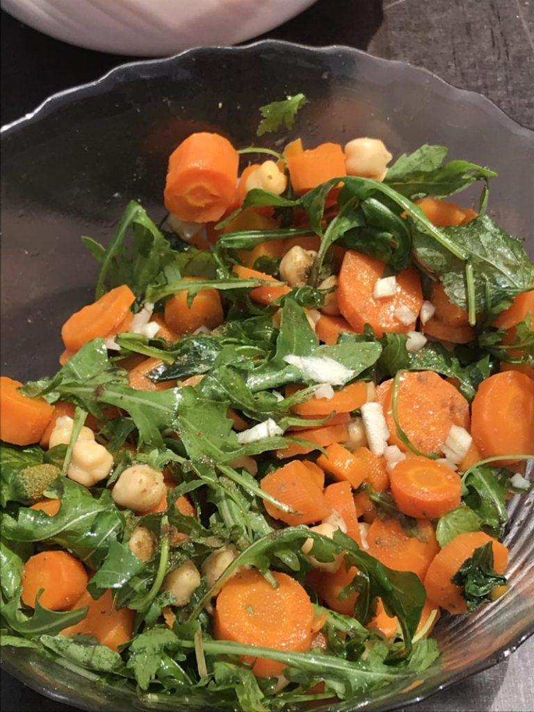 salade de carottes pois chiche roquette brede mafane au cumin et à l'ail