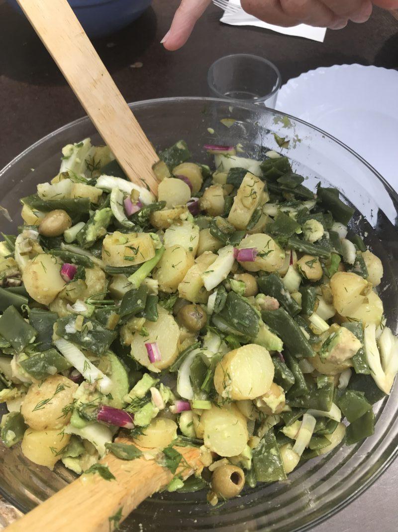 salade de pomme et légumes verts, haricots plats, fenouil, avocat, oignons rouges