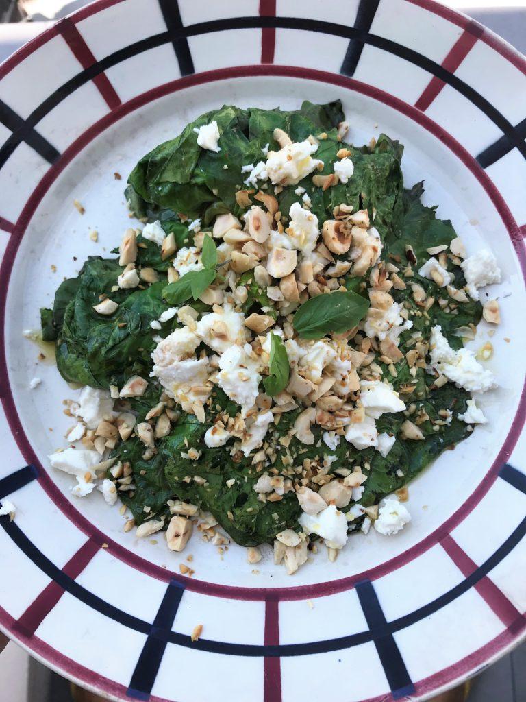 recette de salade cuite feta noisettes & basilic