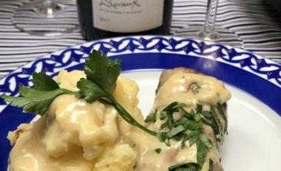 Andouillette servie avec une sauce au chaource associé avec du champagne Cœur des bars de Devaux