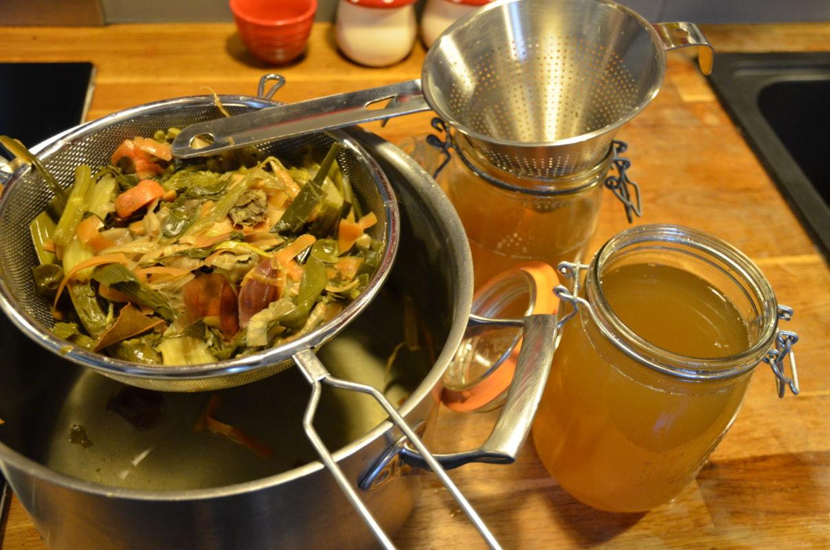 pour filtrer le bouillon de légume