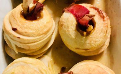 pommes au four au sirop d'érable pour un dessert léger