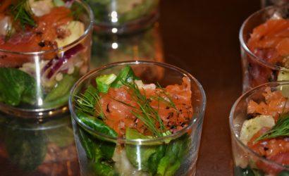 verrines oca du Pérou et gravlax à l'aneth et oignons rouges