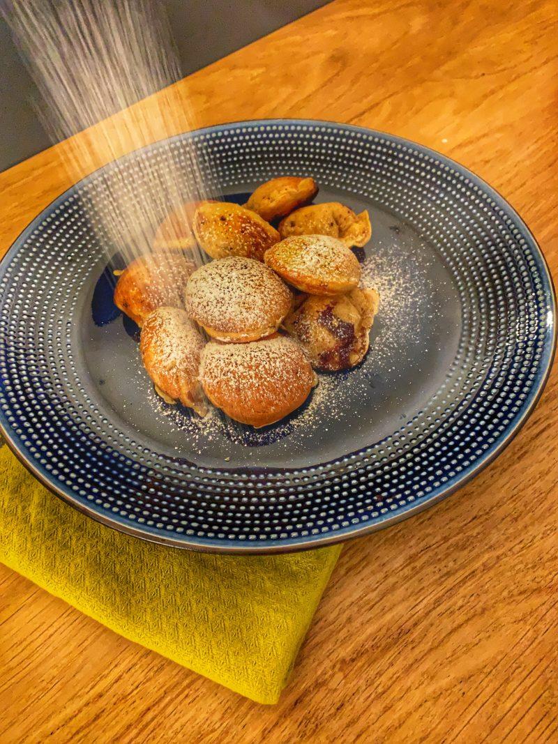 les petites crêpes danoises que l'on déguste au nouvel an