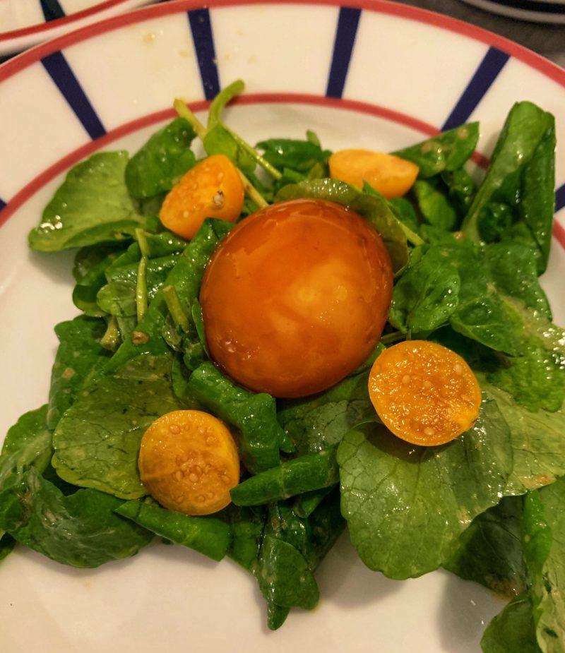 jaune d'oeuf cuit au soja avec sa salade de cresson