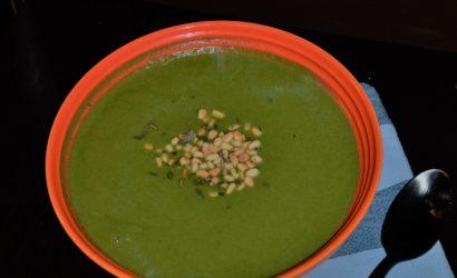 Un soupe detox au radis noir et aux blettes