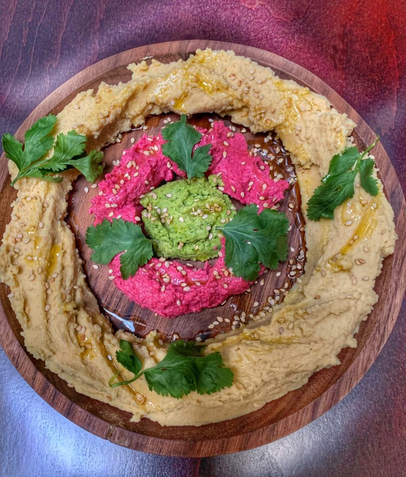 houmous de 3 couleurs betterave, fane de radis, nature