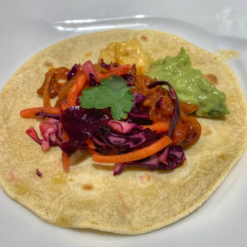Taco végétarien avec tortillas mexicaines