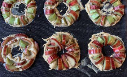 recette de minis gâteaux à la rhubarbe en couronne
