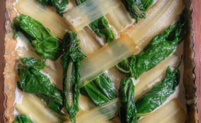 Calepinage d'une tarte aux blettes avec les côtes et les feuilles