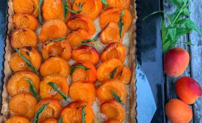 tarte facile aux abricots, poudre d'amande et verveine