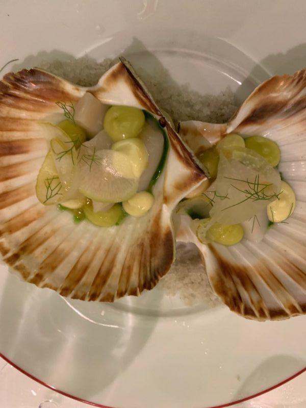 Carpaccio St jacques verveine et cédrat dégustées au restaurant Garance