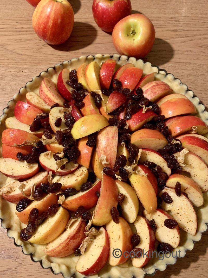 préparation de la tarte aux pommes façon strudel