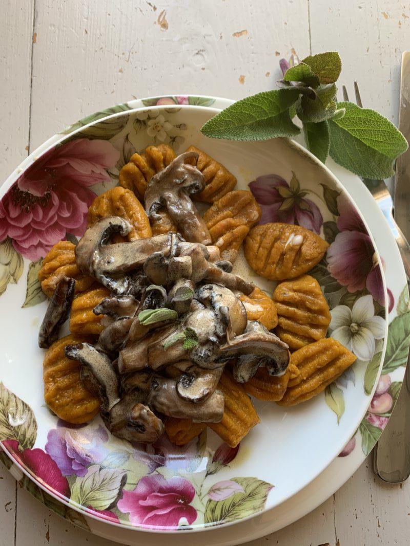 gnocchi au potimarron sauce champignons parfumés à la sauge