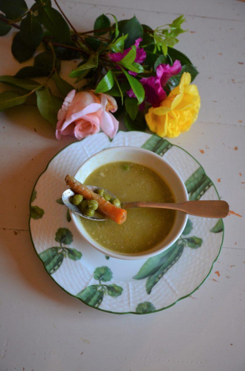 soupe de cosses de petits pois et flageolets