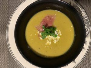 soupe de courge au jambon de Bayonne et féta