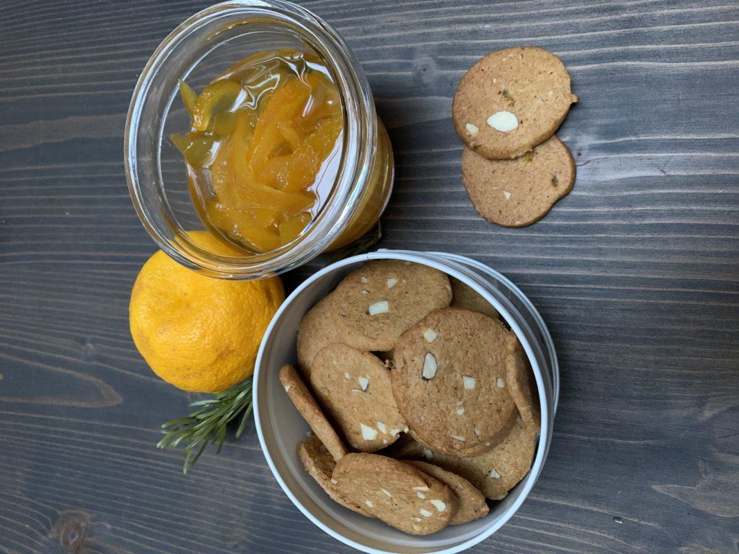 brunkager les petits biscuits danois au uyzu confit et amandes