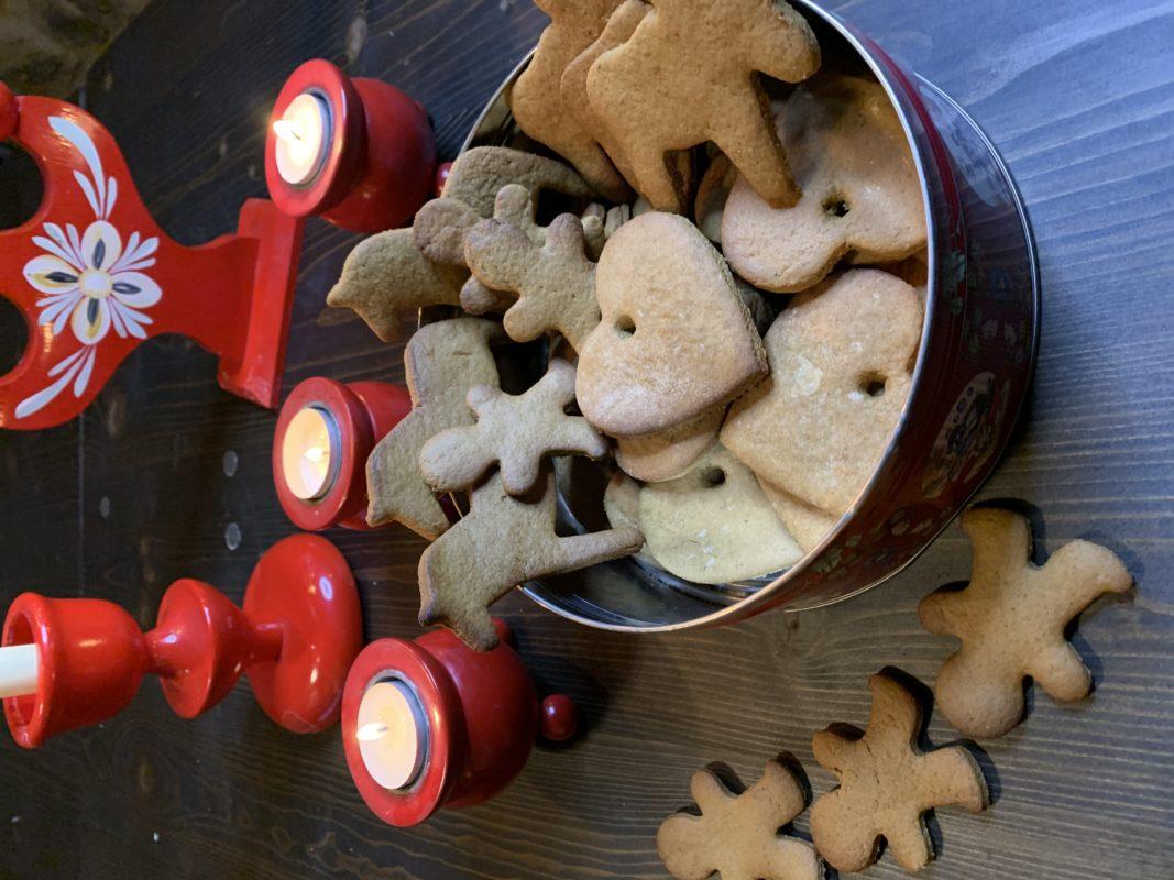 les petits biscuits de noël suédois aux épices et à la mélasse de canne